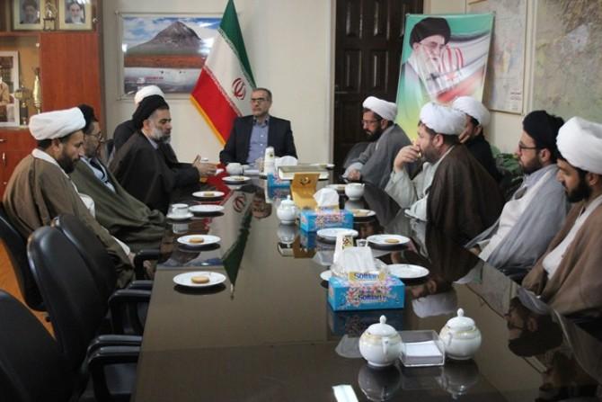نشست هم اندیشی فرماندار ملارد با جمعی از روحانیون این شهرستان