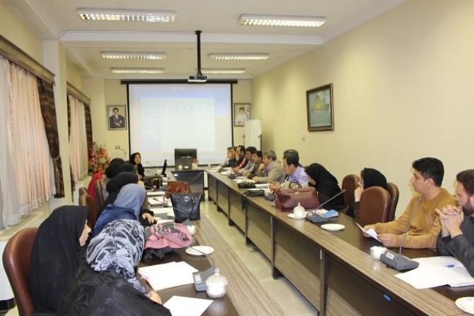 برگزاری کارگاه  بازآموزی بهداشت محیط برای بهورزان