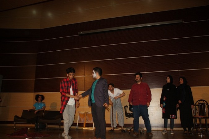 بازبینی نمایش ((دربه در )) توسط هئیت بازبینی شهرستان شهریار
