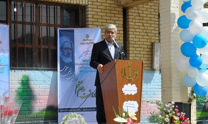 تلاش دولت در جهت رفع نواقص امر آموزش و پرورش و معیشت معلمان
