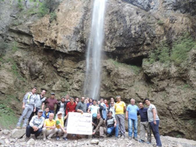 پیمایش آبشار زیبای تودارک رامسر توسط هیئت همگانی شهریار