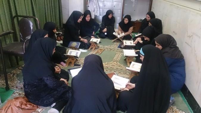 برگزاری جلسه حلقه صالحین «شهیده طیبه واعظی» در شبکه بهداشت و درمان شهرستان شهریار