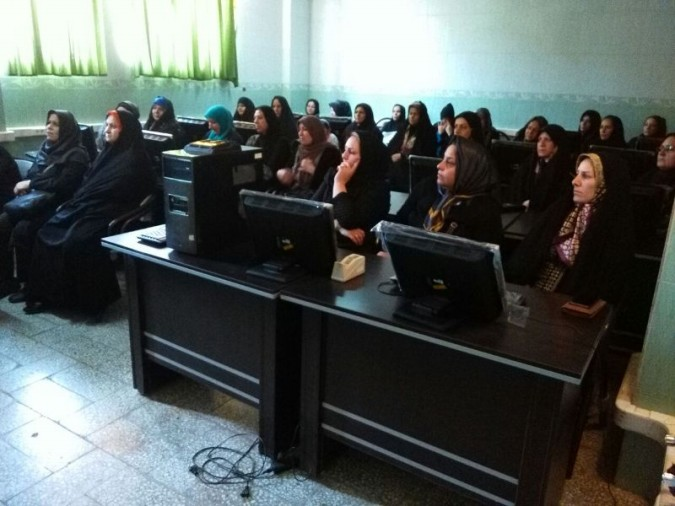 برگزاری کلاس آموزش مهارتهای زندگی و خودآگاهی ویژه اولیاء دانش آموزان در شهرستان ملارد