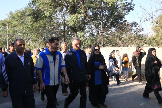 گزارش تصویری همایش پیاده روی به مناسبت میلادباسعادت آقاعلی ابن موسی الرضا (ع) درشهروحیدیه