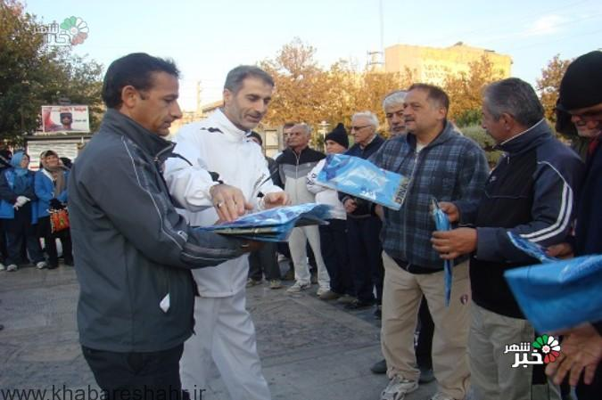 بازدید شهردار شهریار و مسئول کمیته ورزش روزانه هئیت همگانی از ایستگاه های صبحگاهی در هفته تربیت بدنی