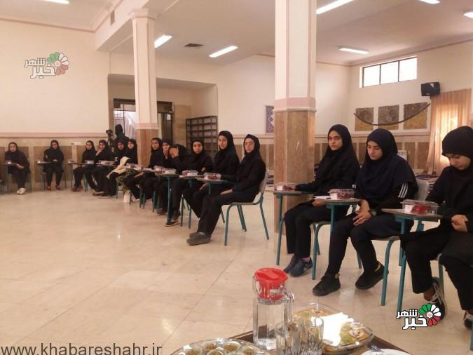 اولین هم اندیشی مدیر آموزش وپرورش شهریار با دانش آموزان هنرستان علم وهنر