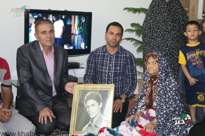 (گزارش تصویری )دیدار رئیس دانشگاه آزاد اسلامی شهریار با خانواده شهدا