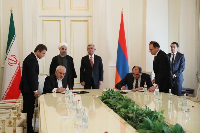 تهران و ایروان پنج سند همکاری امضا کردند