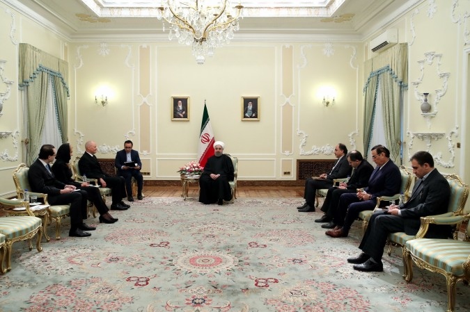رییس جمهوری هنگام دریافت استوارنامه سفیر جدید آلمان در تهران