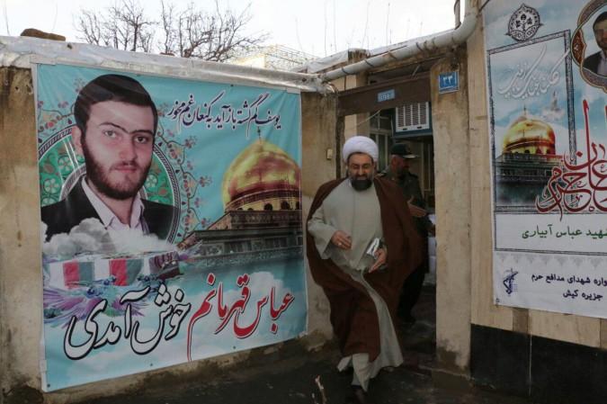 امام جمعه محترم شهرستان شهریار با خانواده شهید مدافع حرم عباس آبیاری دیدار نمودند