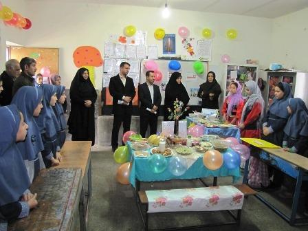 جشنواره تغذیه سالم با روشی خلاقانه در دبستان جوادالائمه(ع) شهرستان قدس برگزار شد