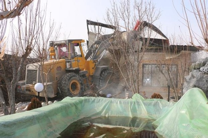 تخریب ساخت و ساز غیر مجاز در اراضی کشاورزی شهرستان ملارد