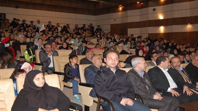 جشن انقلاب در مجتمع فرهنگی حضرت باقرالعلوم (ع) شهر قدس