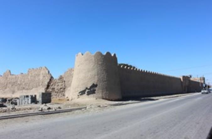 «قلعه دهشاد شهریار» در حال نابود شدن است