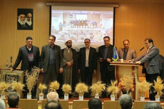 از کشاورزان برگزیده استانی شهرستان ملارد تجلیل شد