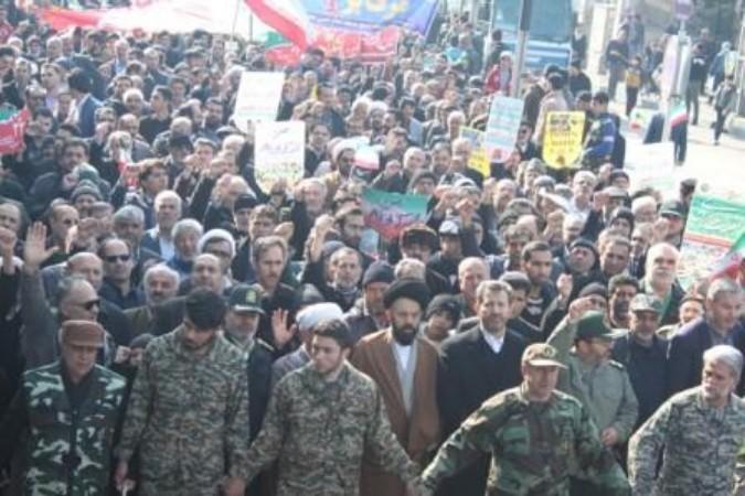 حضور پرشور مردم شهرستان قدس در راهپیمایی یوم الله 22 بهمن 95