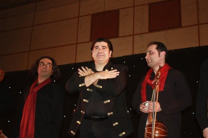 اجرای زنده موسیقی سنتی توسط سالار عقیلی در شهرستان شهریار