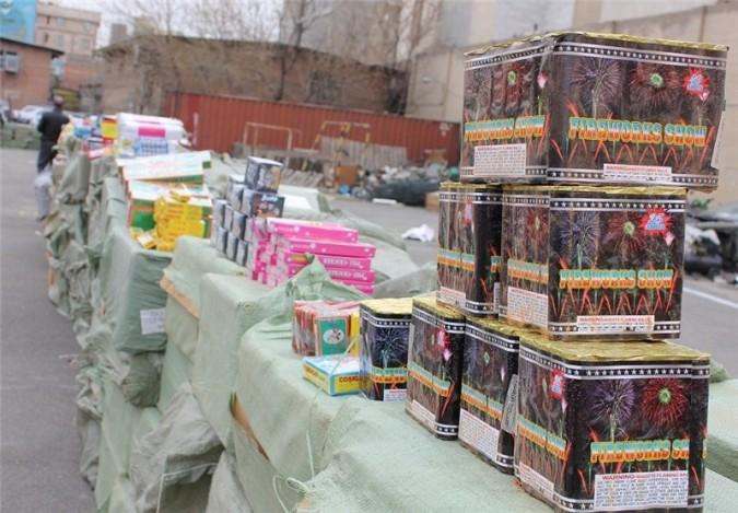 ۲ میلیون و ۲۰۰ عدد انواع مواد محترقه در غرب استان تهران کشف شد