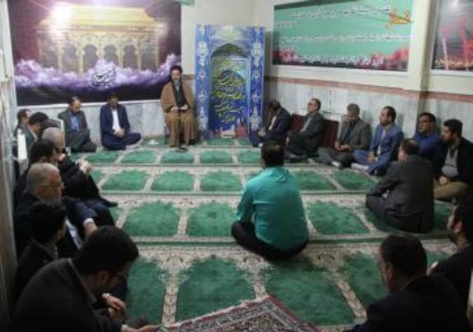 برگزاری مراسم زیارت عاشورا با حضور فرماندار و کارکنان فرمانداری شهرستان ملارد