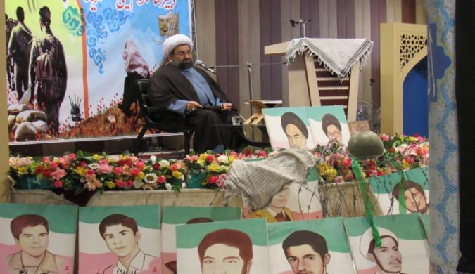 برگزارای یادواره36شهید دانش آموز دبیرستان امام خمینی(ره) شهریار