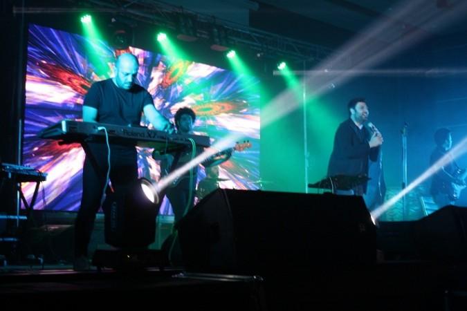 اجرای زنده موسیقی توسط محمد علیزاده در شهرستان شهریار