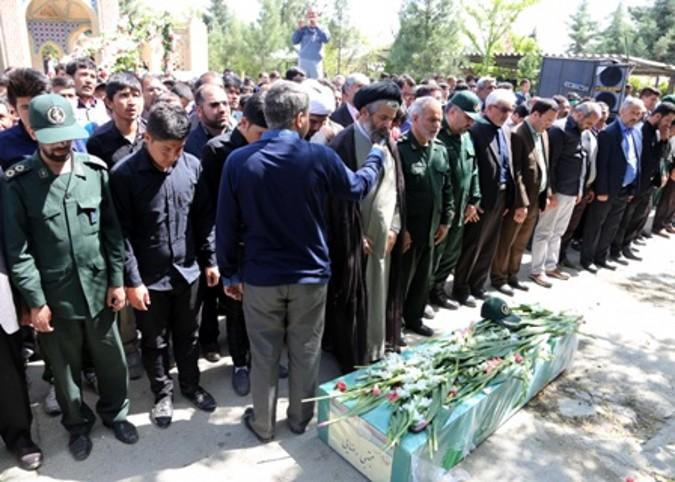 تشییع شهید مدافع حرم مجتبی رضایی در باغستان شهرستان شهریار