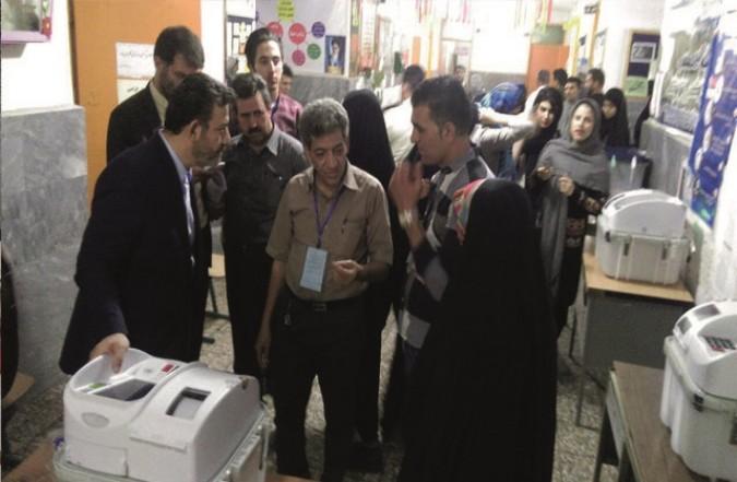 بازدید فرماندار شهر قدس از شعبات اخذ رای