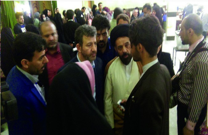 بازدید فرماندار و امام جمعه شهر قدس از مسجد جامع و شعب اخذ رای
