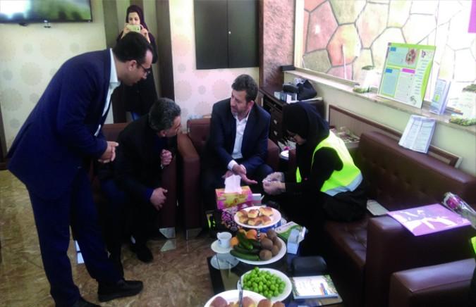 بازدید فرماندار از غرفه ویزیت فرهنگیان شهرقدس توسط اداره بهداشت
