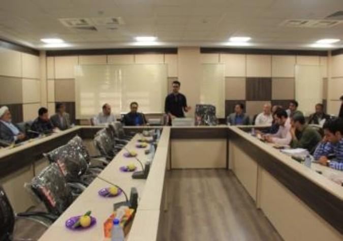 ارایه آموزش به اعضای ستاد انتخابات شهرستان ملارد در خصوص برگزاری انتخابات الکترونیکی