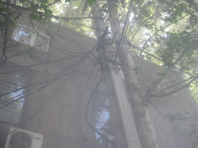 با تلاش آتش نشانان حریق کابل برق در شهریار اطفاء شد