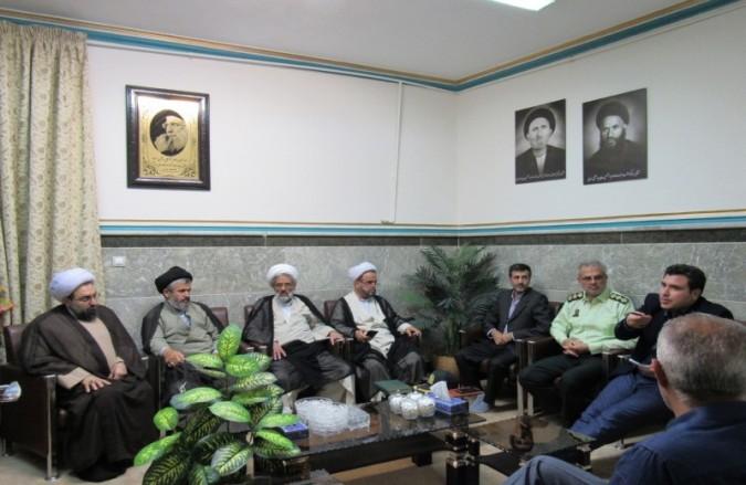 نشست صمیمانه رئیس پلیس غرب استان تهران با ائمه جمعه محترم شهرستان شهریار به مناسبت ماه مبارک رمضان