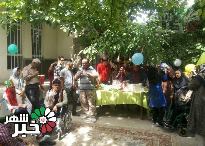 جشن تولد متولدین فصل بهار معلولین خیریه امام رضا(ع)