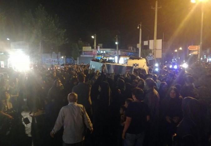 وداع روزهداران شاهدشهر شهریار با دو شهید گمنام