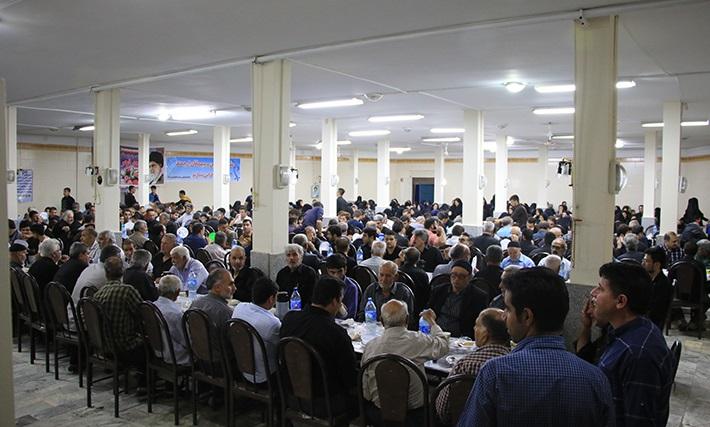 مراسم ضیافت افطاری در روستای اصیل آباد شهریار