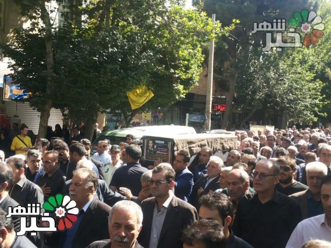 وداع مردم شهید پرور شهریار با فرزند و برادر شهیدان اینانلو (هم اکنون)