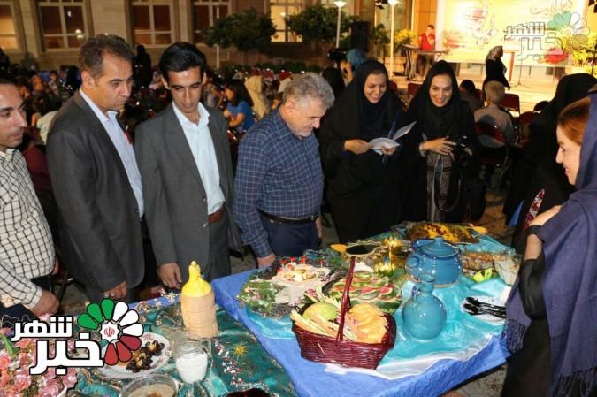 برگزاری جشنواره سفره های افطار در شهر وحیدیه