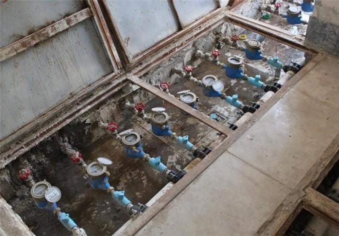 انشعابات آب غیرمجاز در شهرقدس جمعآوری و شخص خاطی به دستگاه قضایی معرفی میشود