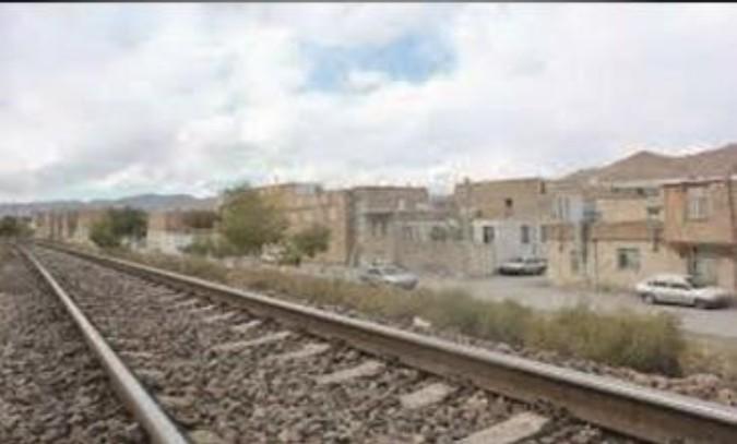بازدید فرماندار شهرستان قدس از ایمن سازی حریم ریل راه آهن