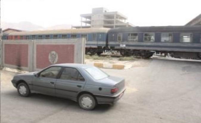 طولانی شدن عملیات دیوار کشی حریم ریل راه آهن شهر قدس