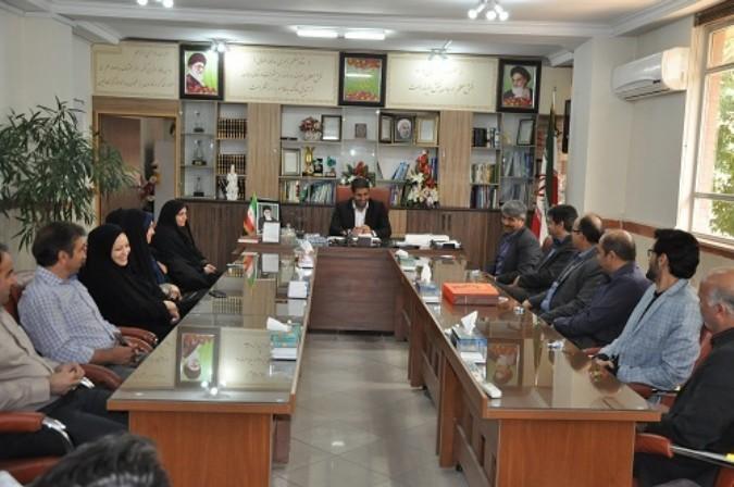 حضور جمعی از مدیران مقطع ابتدایی جهت تبریک در دفتر مدیریت آموزش و پرورش شهریار