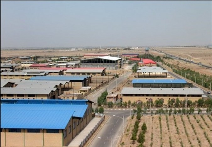 تداوم فعالیت واحدهای صنعتی شهرقدس در گرو تعیین تکلیف زمینهای موقوفه است