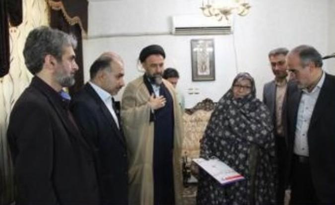 دیدار مسئولان شهرستان ملارد با جمعی از خانواده های معظم شهداء
