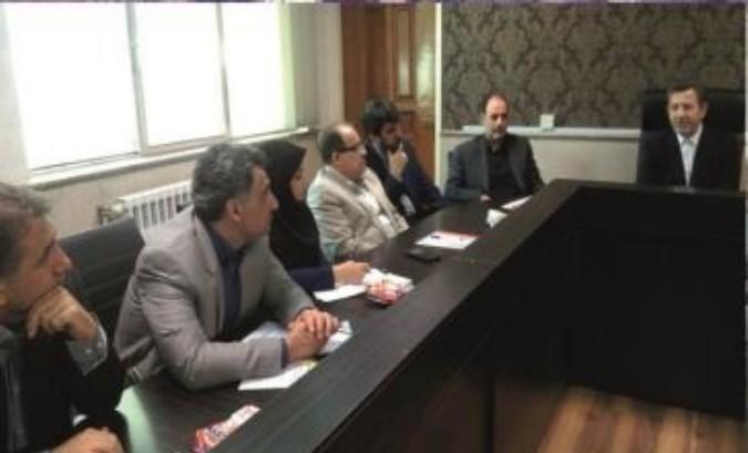 سکوهای جنب پالایشگاه نفت پارس به سرعت جمع آوری و در جاهای دیگر شهر جای گذاری شود.