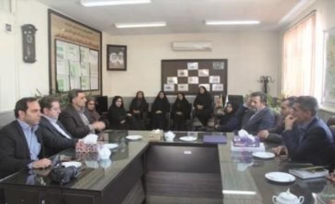 دیدار صمیمی فرماندار با پرسنل شبکه بهداشت و درمان شهرستان قدس