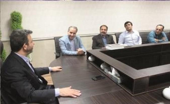 دیدار اعضای شورای روستاهای شهرستان قدس با فرماندار به مناسبت هفته دولت