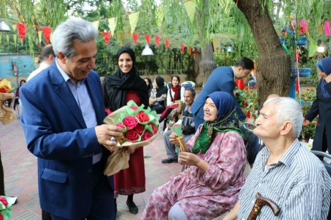 دیدار مسئولین با خانه سالمندان امیریه به مناسبت دهه کرامت و ولادت امام رضا (ع)