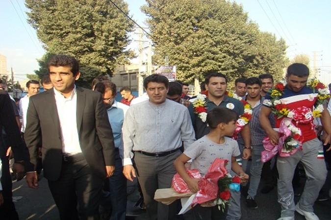 مراسم استقبال از طیب حیدری و محمد نصرتی در امیریه برگزار گردید