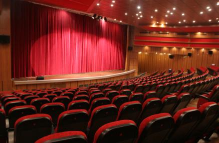 حذف سینما از سبد فرهنگی مردم شهرستان قدس