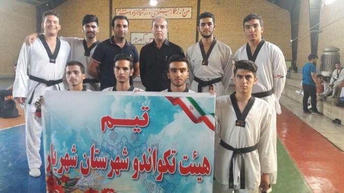 کسب مقام سوم تیم منتخب تکواندو شهریار در مسابقات المپیاد استان تهران منطقه 3